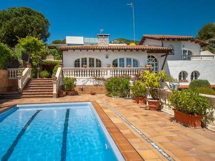 356m² house for sale in Alella, Maresme