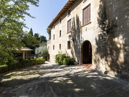 2,500m² Country house for sale in Barcelona Inland, Spain