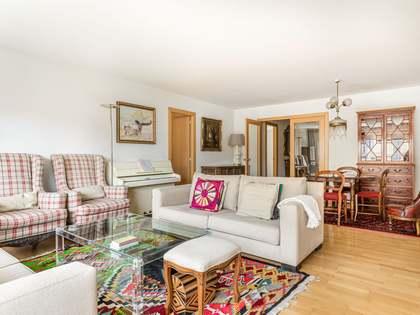 Apartmento de 147m² with 130m² terraço à venda em Eixample Left