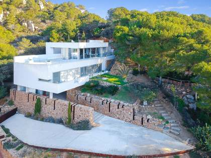 Designer 4 bedroom Costa Brava villa for sale near Tamariu
