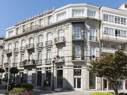 316m² Wohnung zur Miete in Vigo, Galicia
