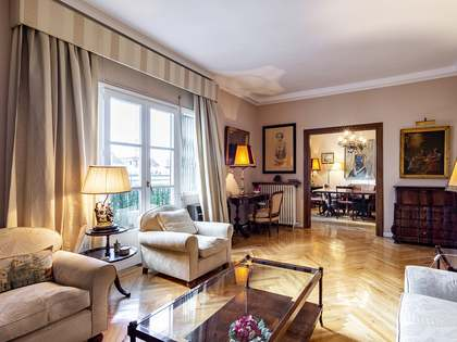 Appartamento di 170m² in vendita a Ríos Rosas, Madrid