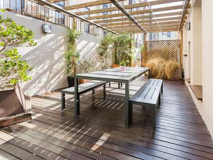 Apartment with terrace for sale in Raval, Calle Hospital