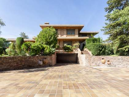 963m² House / Villa for sale in Aravaca, Madrid