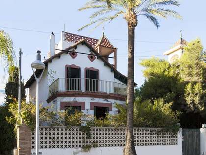 400m² Hus/Villa till salu i Vilanova i la Geltrú, Sitges