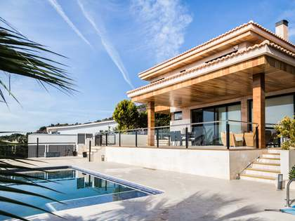 Property with incredible views for sale in Los Monasterios
