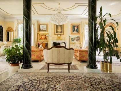 Villa de 698m² en venta en Fuencarral, Madrid