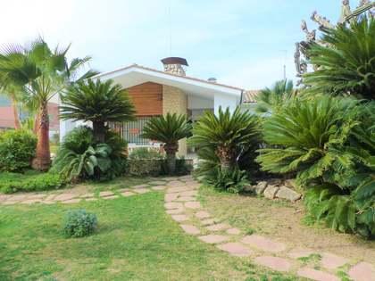 Дом / Вилла 230m² на продажу в Ла Элиана, Валенсия