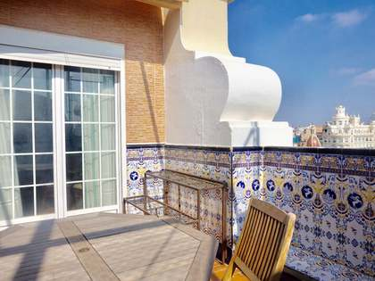 90 m² penthouse with 15 m² terrace for rent in Sant Francesc