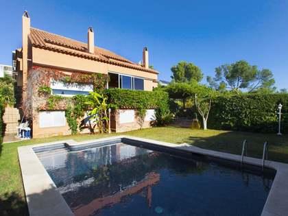 在 Vallpineda, 巴塞罗那 435m² 出售 豪宅/别墅 包括 花园 600m²