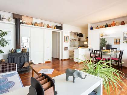 80m² penthouse with terrace for sale in Gracia