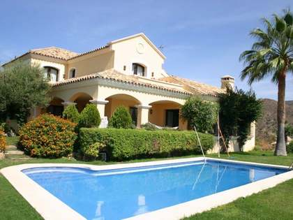 Rustic-style golf villa to buy in Lomas de la Quinta