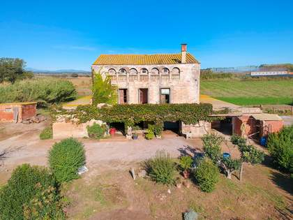 Casa / Vil·la de 834m² en venda a Baix Empordà, Girona