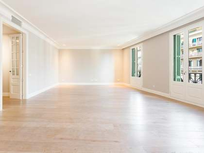 249m² Apartment for sale in Eixample Right, Barcelona