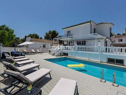287m² House / Villa with 502m² garden for sale in Nueva Andalucía