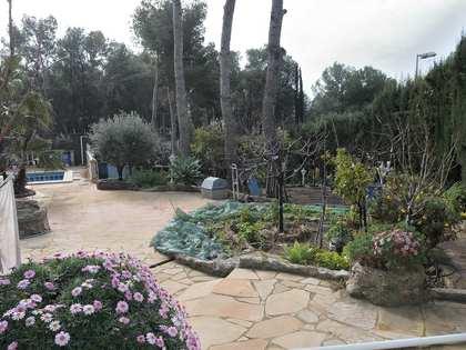 255 m² villa for sale in Castelldefels, Barcelona