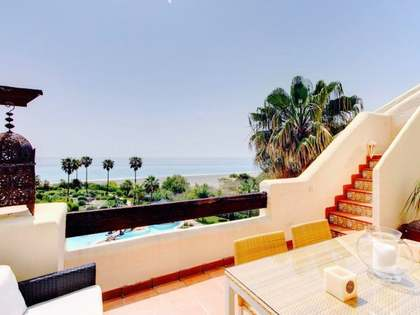 180m² Apartment with 100m² terrace for sale in Estepona