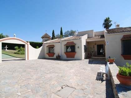 Дом / Вилла 972m² на продажу в Сотогранде, Андалусия