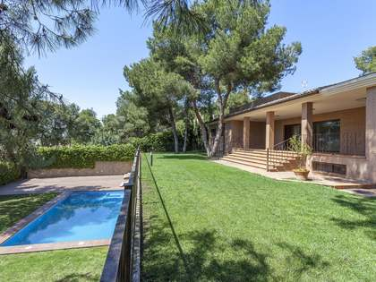 883m² House / Villa for sale in Godella / Rocafort