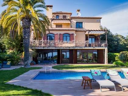 Casa / Vil·la de 519m² en venda a Mataro, Barcelona