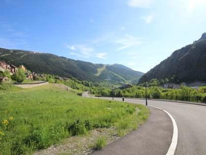 Perceel van 653m² te koop in Grandvalira Ski area, Andorra