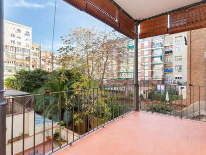 86m² Apartment with 10m² terrace for sale in Eixample Left