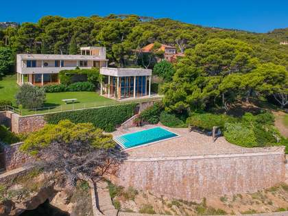 423m² House / Villa for sale in Sa Riera / Sa Tuna