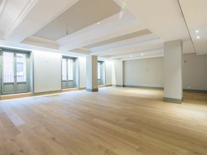 Piso de 315 m² en alquiler en Jerónimos, Madrid