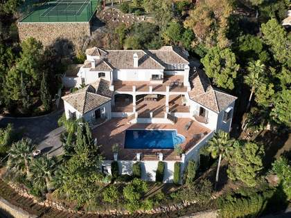 Luxury 7-bedroom villa for sale in Benahavís, Marbella