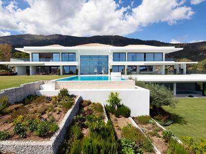2,595m² House / Villa with 639m² terrace for sale in La Zagaleta