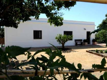 Beautifully appointed traditional Cortijo for sale in Cadiz