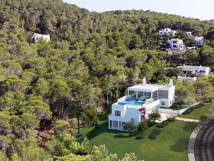 450m² House / Villa for sale in Santa Eulalia, Ibiza