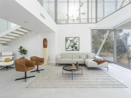 Maison / Villa de 513m² a vendre à Terramar, Barcelona