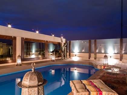 Penthouse de style oriental en vente avec piscine au centre de Valence.
