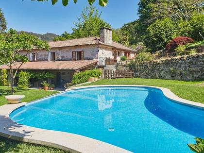 Huis / Villa van 515m² te koop in Pontevedra, Galicia