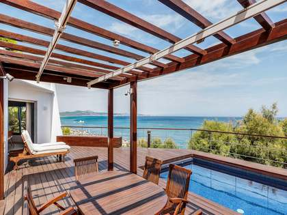 597 m² villa for sale in Begur