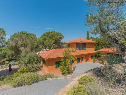 3-bedroom villa for sale in Montgoda, Lloret de Mar