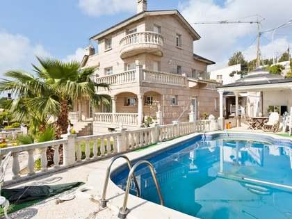 490m² Haus / Villa zum Verkauf in Montemar, Barcelona