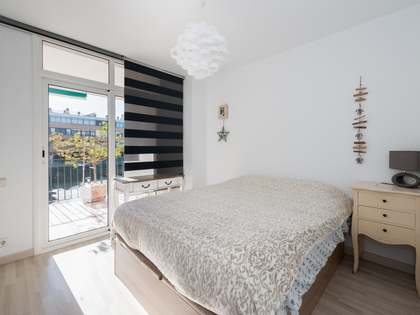 166 m² apartment with 20 m² terrace for sale in Gavà Mar