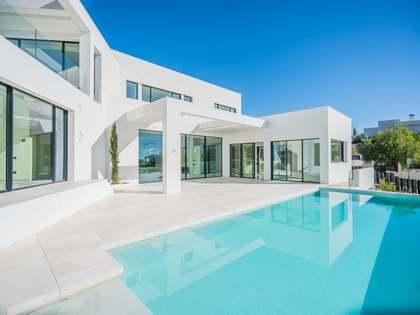 Дом / Вилла 833m² на продажу в Новая Андалусия