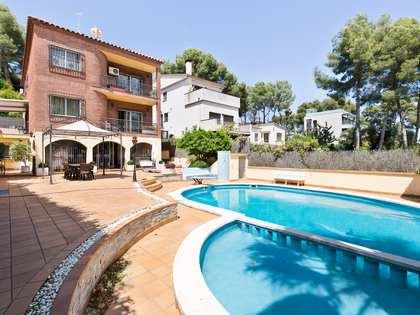 442m² Haus / Villa zum Verkauf in Montemar, Barcelona