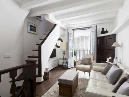 Beautifully renovated townhouse for sale in Sitges Old Town