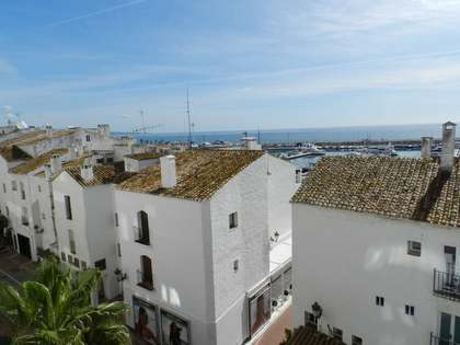 2-bedroom apartment for sale in Puerto Banús, Marbella