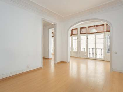 183m² Apartment with 7m² terrace for sale in Eixample Right
