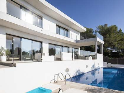 385m² House / Villa for sale in Vallpineda, Barcelona