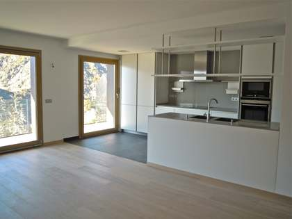 New build penthouse apartment with views to buy in Escaldes