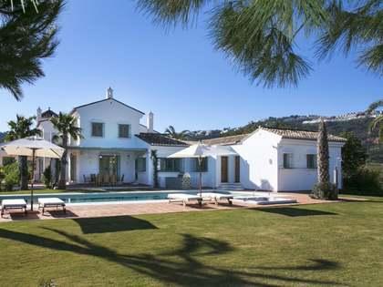 Casa de lujo en venta en La Mairena, Marbella