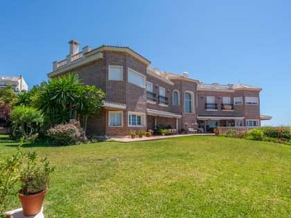 Casa / Vil·la de 2,150m² en venda a East Málaga, Màlaga