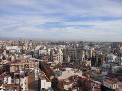 Luminosa vivienda en venta en pleno centro de Valencia