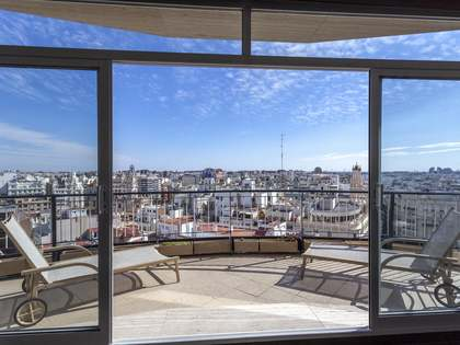 216m² Apartment with 14m² terrace for rent in Sant Francesc